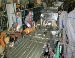 Dacia ar putea concedia 4.000 de angajati, din primavara