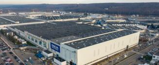 Dacia opreşte producţia în fabrica de la Mioveni timp de două zile, din cauza crizei de semiconductori