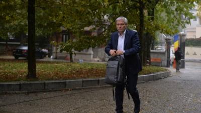 """Dacian Cioloş: """"Nu excludem un guvern minoritar"""". Ce spune despre refacerea coaliției cu un alt premier liberal"""