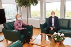 """Dacian Cioloș, întâlnire cu Ursula von der Leyen: """"PNRR este în linie dreaptă și va fi aprobat în curând"""""""