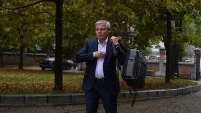 """Dacian Cioloș, la finalul primei zile de negocieri: """"Situația politică este instabilă. Nu mă joc cu mandatul primit de la președintele României"""""""