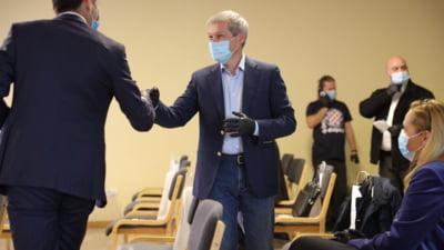 """Dacian Ciolos: """"Inchiderea completa a pietelor o consider o greseala, cu efecte negative costisitoare"""""""