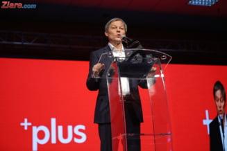 Dacian Ciolos a devenit presedinte PLUS: Ne-am victimizat suficient. Oana Pellea: Aveti un fel de mission impossible UPDATE (Foto)