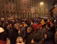 Dacian Ciolos a iesit in strada: Noi ne razboim pe legile justitiei
