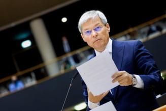"""Dacian Ciolos cere sa se incheie cat mai repede """"saga asta cu impartirea de functii"""" si solicita reformarea Programului de Rezilienta si Redresare, criticat de UE"""