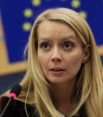 Daciana Sarbu cere CE sa ia masuri fata de extremisti precum Le Pen si Farage
