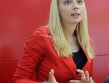 Daciana Sarbu discuta cu cititorii Ziare.com despre taxa pe fast-food