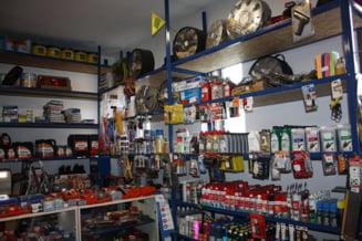 "Dadeai cat pe-un original, primeai ""made in China"": Descinderi la 4 magazine de piese auto din Brasov si Buzau"