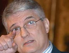 Daianu: Fara banii de la FMI vom imprumuta iar la dobanzi mari