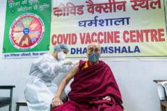 Dalai Lama s-a vaccinat contra COVID-19 cu serul AstraZeneca