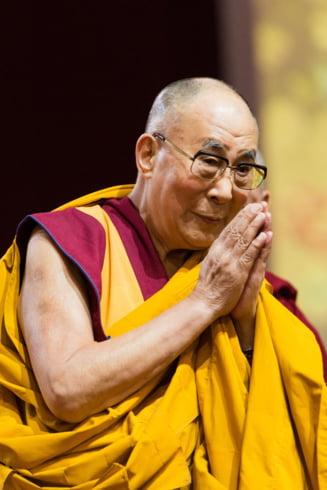 Dalai Lama stia din anii 1990 despre agresiunile sexuale comise de unii maestri budisti