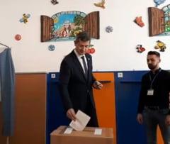 Dan Barna indeamna la vot: Doar unul dintre cei doi candidati ofera speranta ca Romania continua directia spre Europa