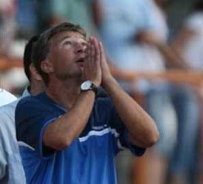 Dan Petrescu plange dupa echipa nationala