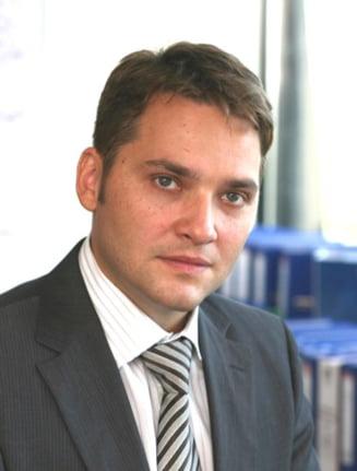 Dan Sova: PD-L cere suspendarea lui Geoana pentru a masca arestarea lui Solomon