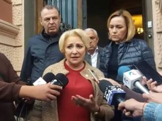 "Dancila, Dan si Sova, huduiti la Brasov. Mai multi oameni au strigat ""Demisia"" (Video)"
