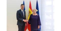 Dancila, gafa in Spania: S-a asezat pe scaunul premierului spaniol (Video)