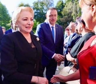 """Dancila a vizitat o fabrica de armament din Cugir: """"Eu sper sa apartineti in curand de prim-ministru"""""""