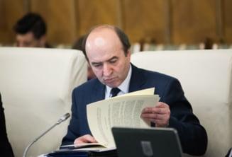 """Dancila ii scrie public lui Toader sa lamureasca urgent """"lista lui Gadea"""". A aparut si prima reactie de la Comisia Europeana"""