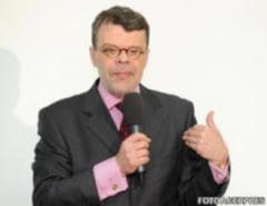 Daniel Barbu (ALDE): Meseria de politician este riscanta, mai riscanta decat misiunea unui soldat in Afganistan. Alesii isi risca libertatea, sanatatea, in fiecare zi