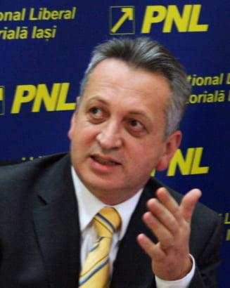 Daniel Constantin (PC): Fenechiu vorbeste prostii, decredibilizeaza protocolul USL