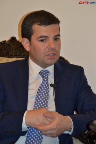 Daniel Constantin ar putea ajunge iar vicepremier: Are in continuare datorii la Dan Voiculescu