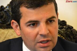 Daniel Constantin si alti doi deputati au fost exclusi din ALDE pentru ca s-au opus deciziilor lui Tariceanu