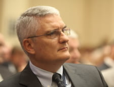 Daniel Daianu:Diaconescu nu trebuia sa se califice pentru privatizarea Oltchim, nu are pedigree institutional