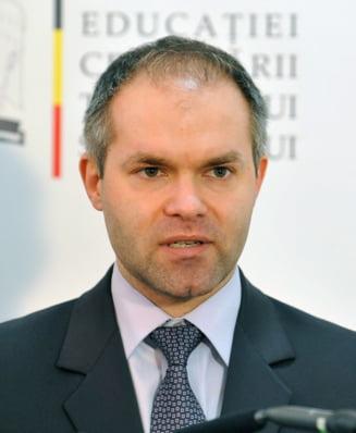 Daniel Funeriu: Modificarea Legii Educatiei se face doar in interesul fabricilor de diplome