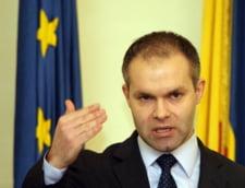 Daniel Funeriu, audiat la DNA. Fostul ministru a plecat fara sa faca declaratii (Video)