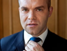 Daniel Funeriu ii atrage atentia premierului Ludovic Orban asupra faptului ca sindicalistii din educatie iau salarii de profesori plini, profitand de o modificare a legii