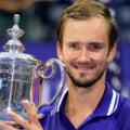 Danil Medvedev, câștigătorul US Open, plecăciune în fața Emmei Răducanu FOTO