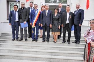 Darius Valcov l-a plimbat pe ambasadorul chinez prin Teleorman. Ambasada: Judetul are o dorinta puternica de a coopera cu China