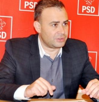 Darius Valcov si-ar fi dat demisia din Parlament