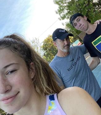 """Darren Cahill nu poate sta departe de tenis nici in timpul pandemiei de coronavirus si a gasit doi """"inlocuitori"""" pentru Simona Halep (Video)"""
