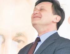Darul otravit al lui Ponta, pus pe tava lui Crin Antonescu (Opinii)