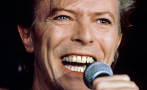 David Bowie lanseaza o carte foto