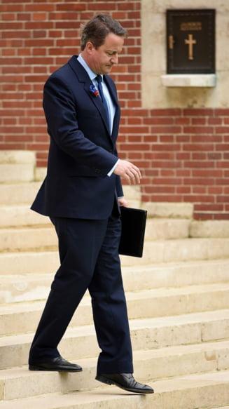 David Cameron, demisie cu cantec: A fredonat vesel dupa ce a anuntat ca-i da stafeta lui May (Video)