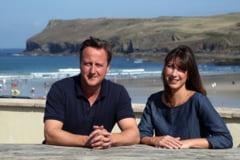 David Cameron, intepat de o meduza: Nu ar fi dus lipsa de voluntari sa-i administreze ... tratamentul