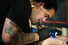De cate sedinte e nevoie pentru a sterge un tatuaj
