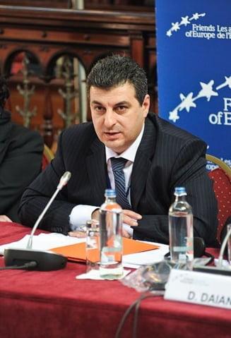 De ce a renuntat Mihnea Motoc la postul de ministru - surse