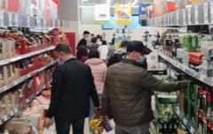 """De ce este riscanta scurtarea programului magazinelor in preajma Pastelui. Avertismentul expertilor: """"Ne jucam cu focul"""""""