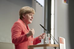 De ce ii trimit sirienii mesaje de dragoste Angelei Merkel: Wir lieben dich