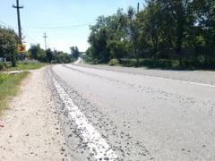 De ce ne zgarie criblura parbrizul: PSD a taiat bugetul pentru intretinerea drumurilor, iar solutiile alese sunt periculoase