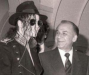 De ce nu a participat Iliescu la concertul lui Michael Jackson?