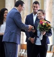 De ce se folosesc Ponta si Iohannis de Simona Halep? Mircea Lucescu are raspunsul