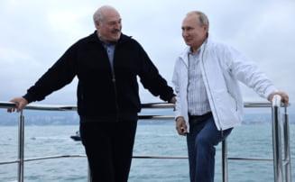 De ce se teme Vladimir Putin în preajma alegerilor din Rusia. Și-a retras în grabă trupele din exercițiul militar comun cu Belarus
