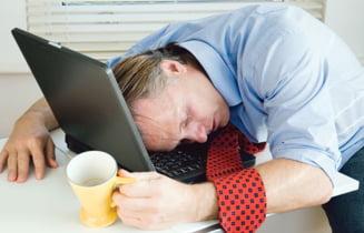 De ce seful nu-l concediaza pe cel mai slab angajat
