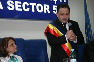 De ce si de cand a fost suspendat Marian Vanghelie din functia de primar al Sectorului 5