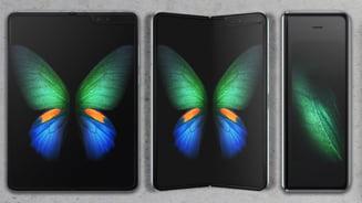 De ce telefonul pliabil de la Samsung are mari sanse sa dea chix
