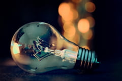 De la 1 ianuarie se scumpeste energia electrica. Un specialist explica cu cat creste factura la curent